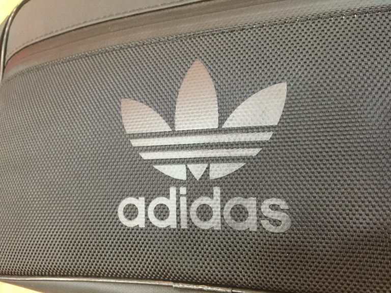 Túi xách Adidas Originals Crossbody Sport Bag cực ngầu 7
