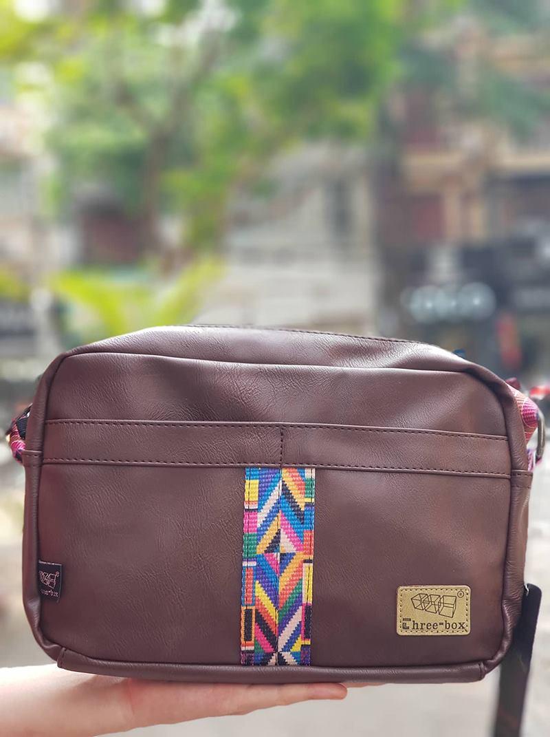 Túi đeo chéo phối thổ cẩm siêu xinh cho nàng diện phố 5