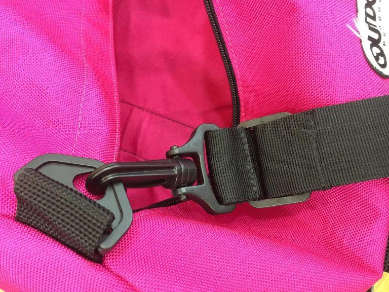 Điểm mặt 3 mẫu túi tập gym hàng hiệu, giá hời chỉ dưới 500.000 đồng 10