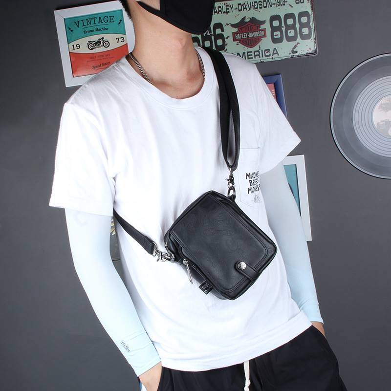 Cá tính, phong cách với 3 mẫu túi thể thao đeo chéo hàng hiệu 10
