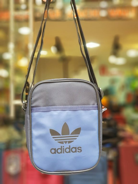 Cá tính, phong cách với 3 mẫu túi thể thao đeo chéo hàng hiệu 2