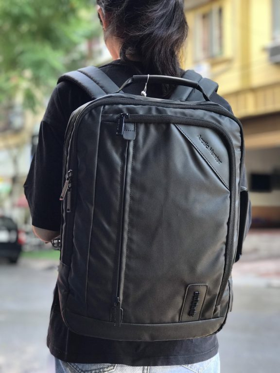 Tiện ích bất ngờ với balo laptop Arctic Hunter Waterproof School Backpack 1